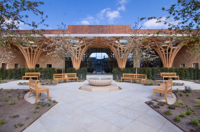 Центральная мечеть Кембриджа идеально адаптирована к культурным и климатическим условиям Великобритании.   Фото: rus-islam.blogspot.com.