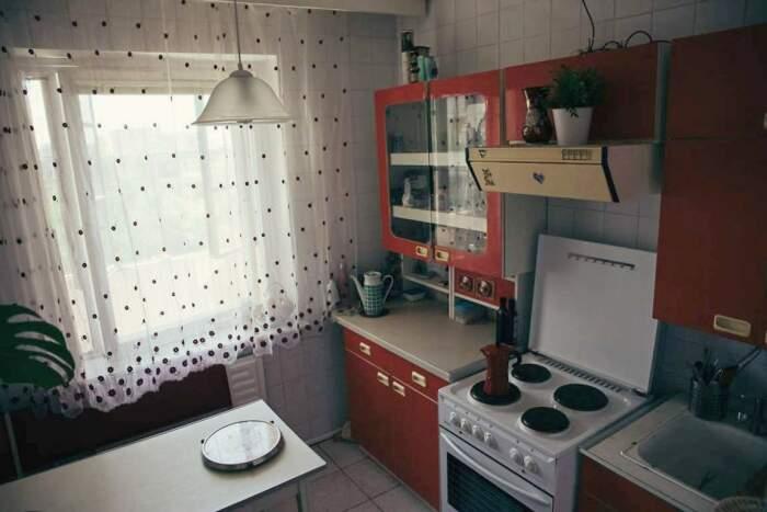Хорошо сохранившаяся обстановка вдохновила владельца на создание аутентичной «советской» квартиры (Вильнюс, ул. С. Станявичяуса). | Фото: 15min.lt.