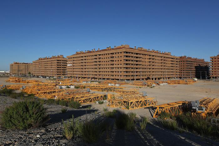 Когда реализацию проекта остановили, было построено лишь 5,1 тыс. домов из обещанных 13,5 тысяч (Сесенья, Испания). | Фото: samstroy.com.