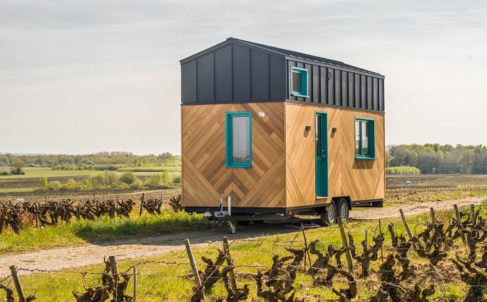 Французская компания Baluchon выпустила новую модель, отличающейся от остальных версий оригинальным внедрением (Tiny House Siana). | Фото: newatlas.com.