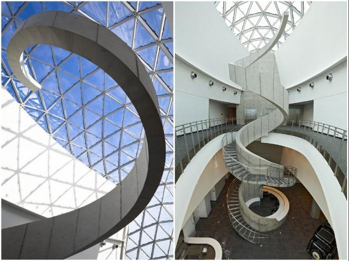 Архитектурные формы и неповторимый дизайн нового музея высоко оценили почитатели таланта Дали (The Salvador Dali museum, Флорида).