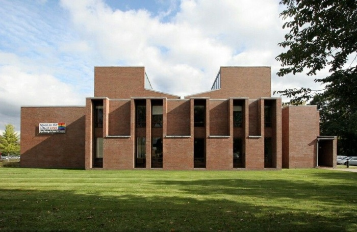 Первая унитарная церковь в Рочестере – одна из самых впечатляющих работ Кана. | Фото: arkytexture.wordpress.com.