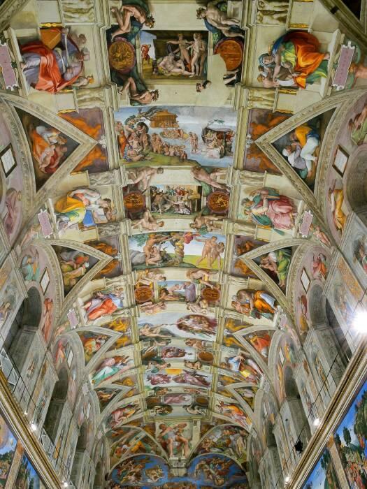 На роспись потолка великий Микеланджело потратил более 5 лет ежедневного изнуряющего труда (Сикстинская капелла, Ватикан). | Фото: cachitosdearte.blogspot.com.