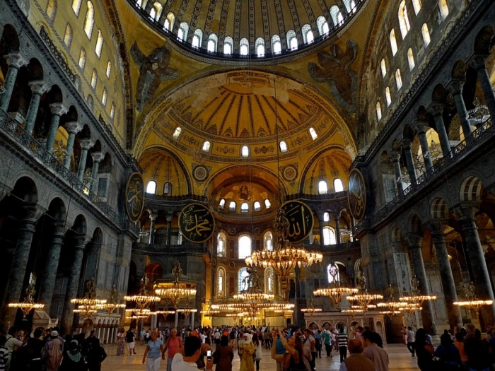 Собор Святой Софии – символ межкультурного диалога, разнообразия стилей и многогранности. | Фото: philologist.livejournal.com.