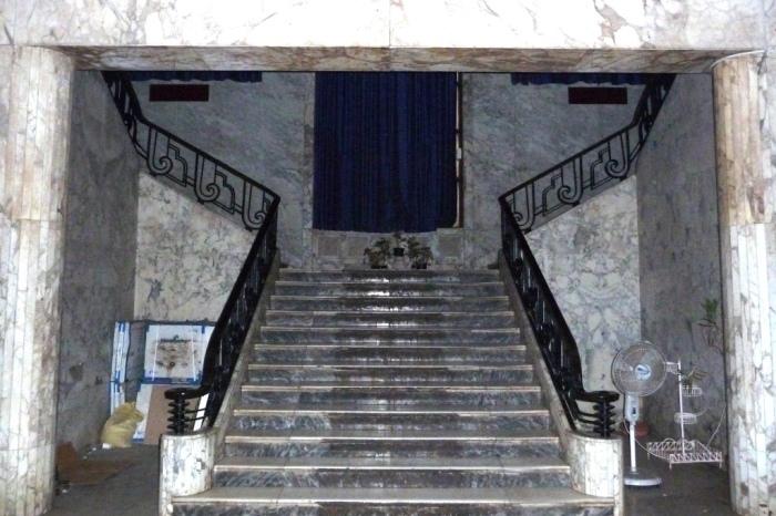 Заходя в здание страховой компании «Новая Индия» посетители попадают в мир роскоши и высокого искусства.   Фото: decoarchitecture.tumblr.com.