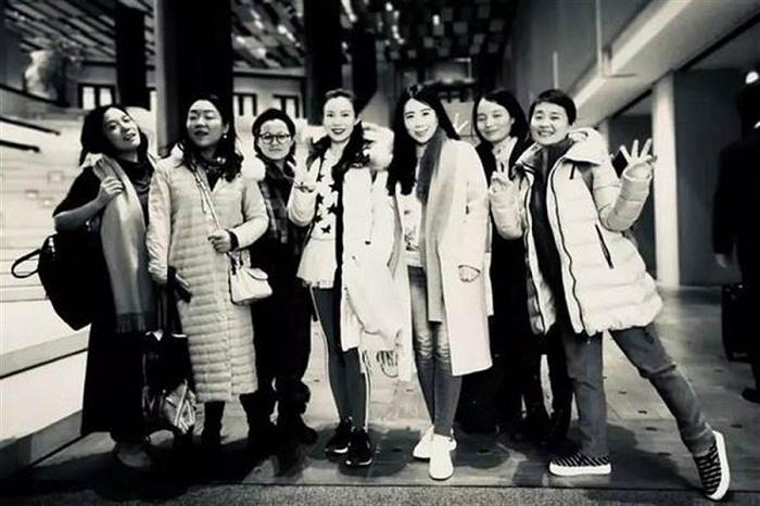 В 2008 г. семь девчонок встретились в одной из редакций и стали самыми лучшим подругами. | Фото: chinatimes.com.