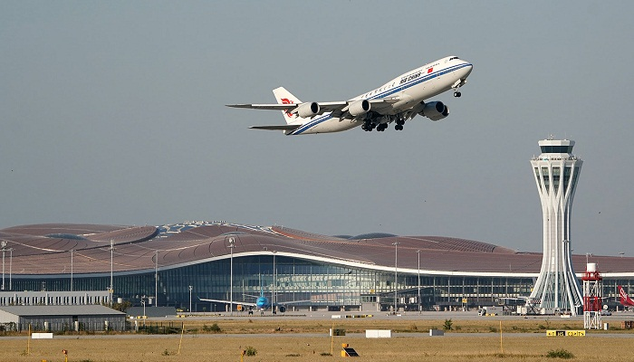 Первый рейс из нового аэропорта выполнила авиакомпания China Southern Airlines в Гуанчжоу (Daxing International Airport, Пекин). | Фото: gazeta.ru.