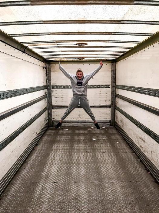 Полную реконструкцию грузовика Мартин и Иона делали сами.