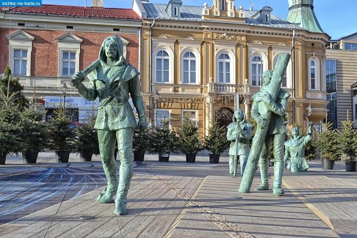 Памятник соледобытчикам в городе Wieliczka (Польша).