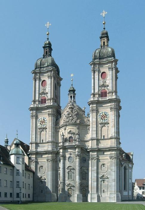 В 1983 г. аббатство Святого Галла внесено ЮНЕСКО в Список памятников всемирного наследия (Сант-Галлен, Швейцария). | Фото: bigenc.ru.