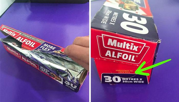 Найдите по бокам коробки надежные фиксаторы для рулона с фольгой. | Фото: boredpanda.com.