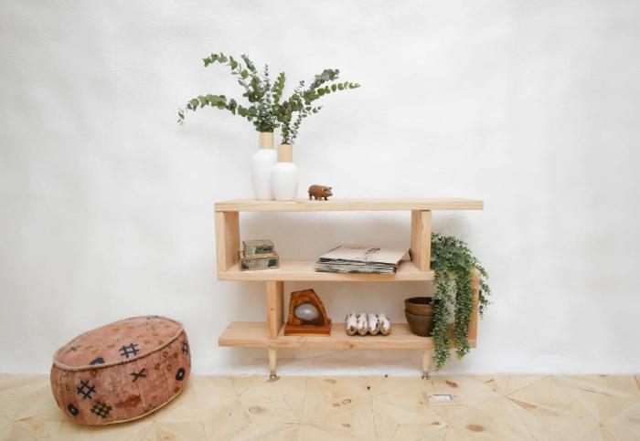 Минималистский интерьер украшают стильные элементы и предметы мебели («Big Idaho Potato Hotel», Айдахо). | Фото: ru.airbnb.com.