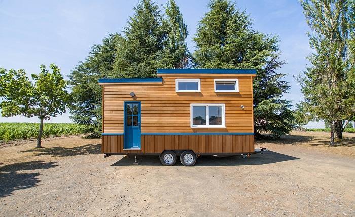 Французская фирма Baluchon спроектировала новую модель крошечного дома, который соответствует стандартам страны (Solaris).   Фото: tinyhouse-baluchon.fr.