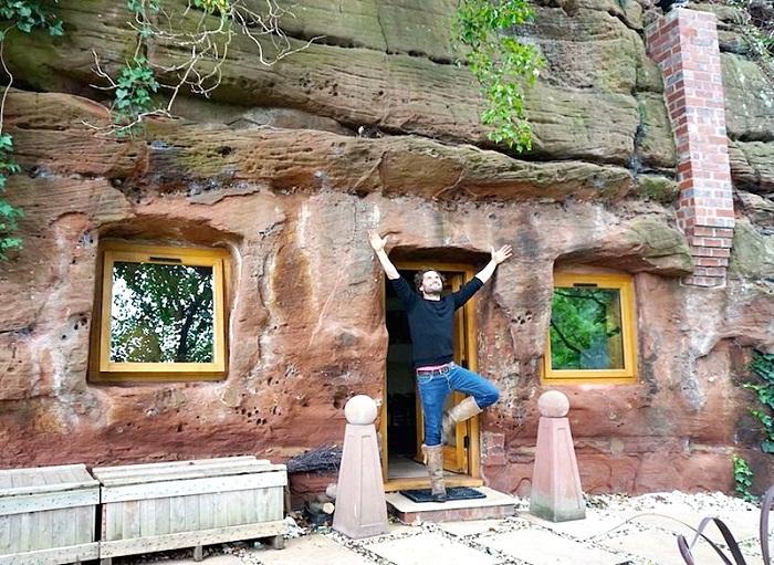 Пещера, которой уже более 700 лет превратилась в уютный дом.