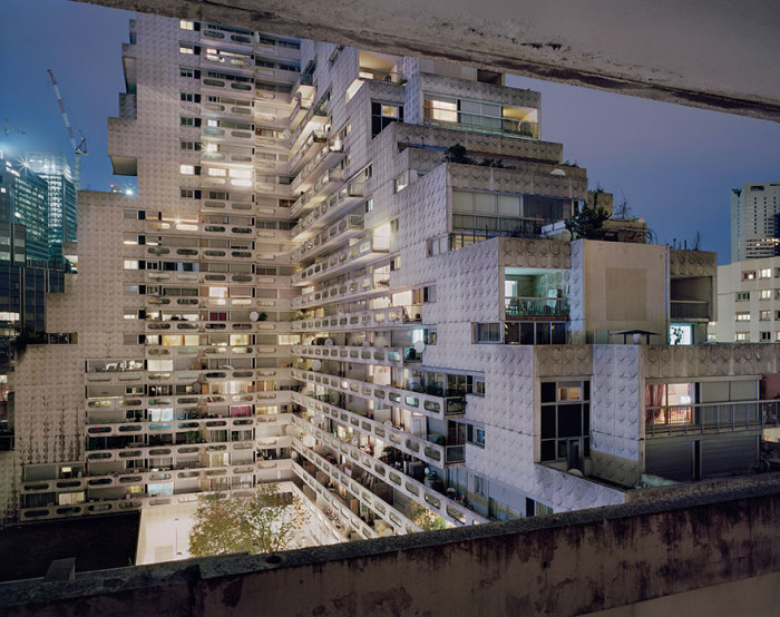 Забытая модернистская архитектура пригорода Парижа. | Фото: Laurent Kronental/ cameralabs.org.