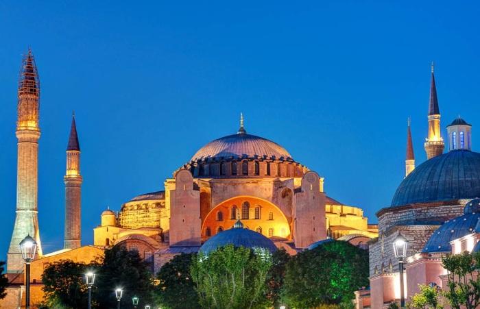 Собор Святой Софии – величественная жемчужина современного Стамбула (Турция). | Фото: fresher.ru.