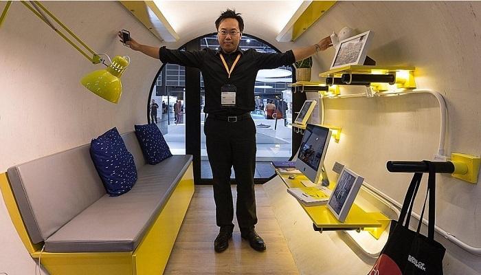 В микродоме можно передвигаться в полный рост (OPod Tube House, Гонконг). | Фото: journal.homemania.ru.
