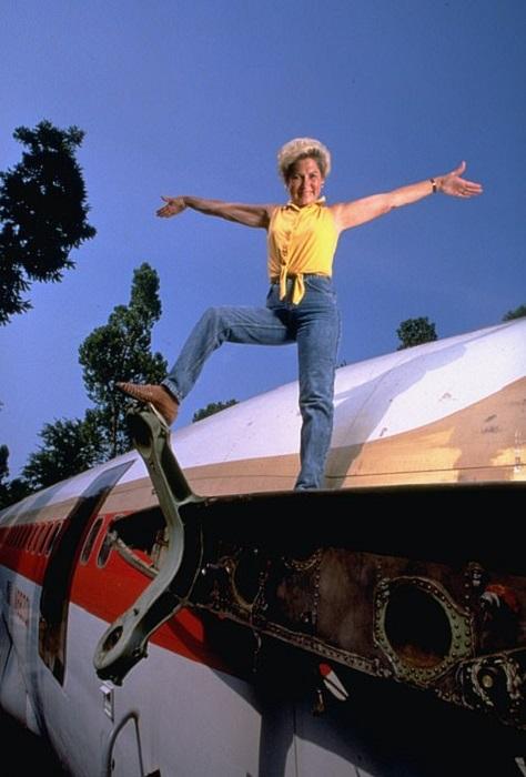 Джо Энн Уссери превратила списанный Boeing 727 в комфортабельный дом (дом-самолет «Little Trump»). | Фото: dailymail.co.uk.