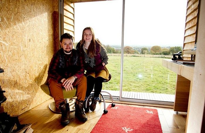 Необыкновенный домик, созданный своими руками находится в живописном месте Херефорда (Великобритания).