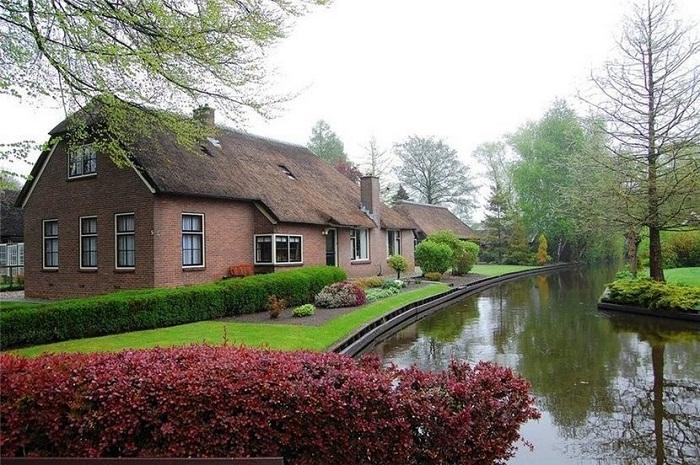 Натуральность в оформлении домов - главная особенность деревни Гитхорн.