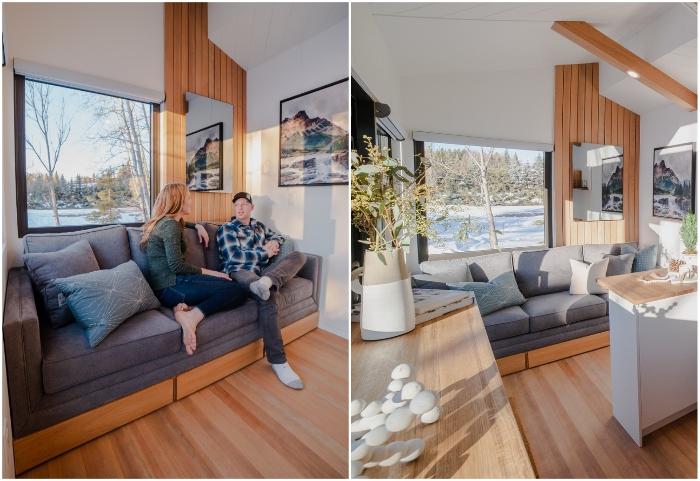 Уютная гостиная в крошечном доме от Fritz Tiny Homes.
