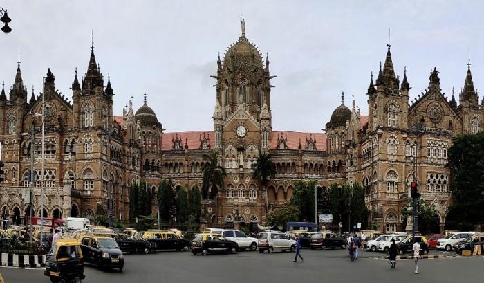 Chhatrapati Shivaji Maharaj Terminus в 2004 г. был внесен во Всемирный список культурного наследия ЮНЕСКО (Индия).   Фото: artsandculture.google.com.
