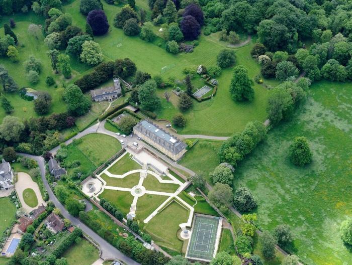 Роскошная усадьба расположена на 29 га земли в природной зоне (Compton Bassett House, Великобритания). | Фото: extravaganzi.com.