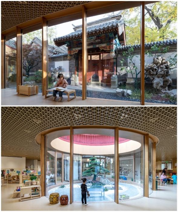 Внутренние дворики отражают восточный взгляд на природу и красоту традиционной архитектуры (YueCheng Courtyard Kindergarten, Пекин).