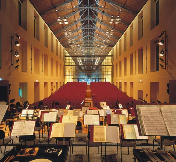 В Auditorium Paganini с 2015 г. дает концерты Филармония Артуро Тосканини (Парма, Италия).   Фото: fondazionetoscanini.it.