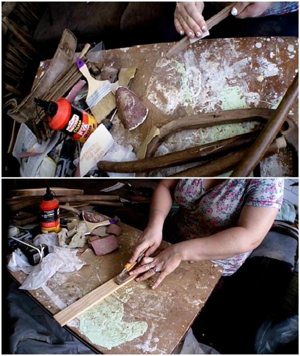 Каждый элемент стула следует зашкурить и заменить поврежденные или недостающие детали.