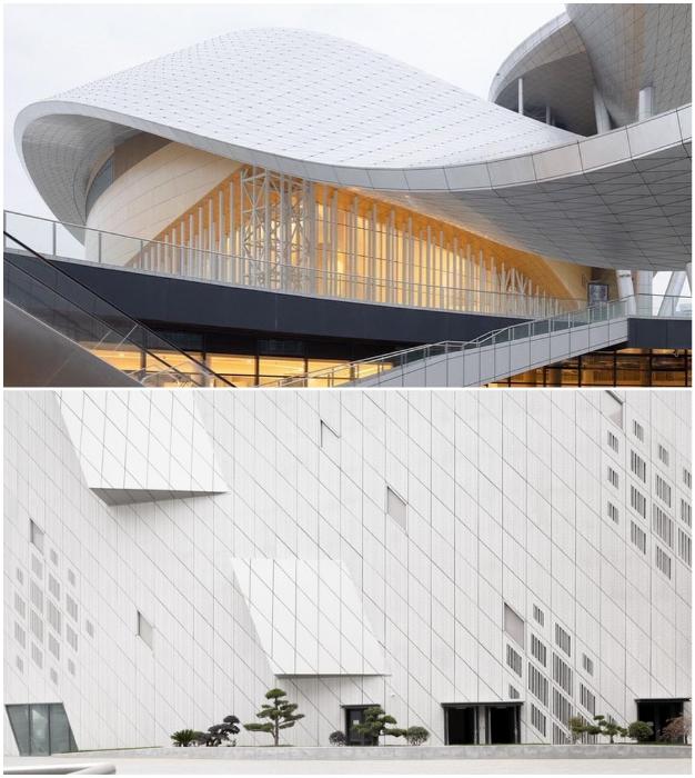 Всю структуру Suzhou Bay Grand Theatre опоясывает крыша, созданная из перфорированных алюминиевых панелей и стального каркаса.
