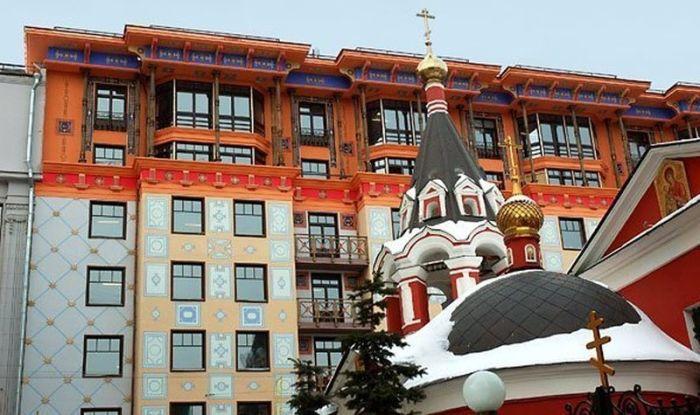 «Помпейский дом» – самый необычный и красивый дом Москвы, созданный в «лужковскую эпоху». | Фото: vladimirtan.livejournal.com.