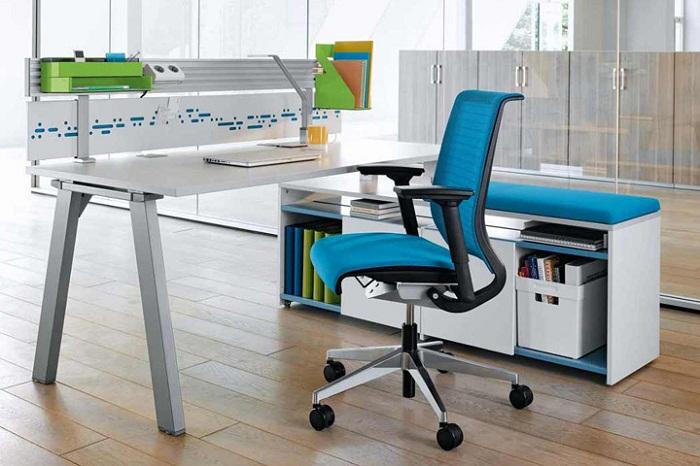 Особая конструкция кресла способна снизить нагрузку на позвоночник.