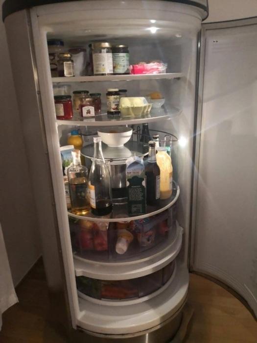 Этот холодильник – заоблачная мечта владельцев крошечных кухонь. © seraphim2703.