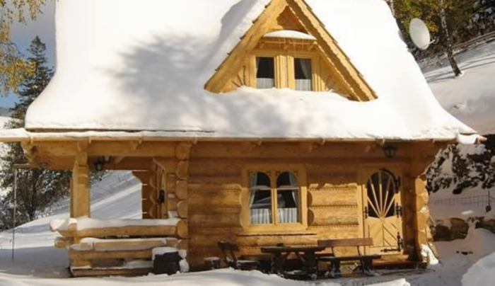 В любую пору года отдых в домике принесет удовольствие («Stunning Gate Lodge»). | Фото: youtube.com/ © Vuong Le.