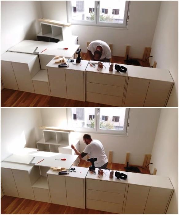 Чтобы каркас из мебели не двигался и был крепким, шкафы нужно скрепить между собой. | Фото: youtube.com/ DIY Floyd.