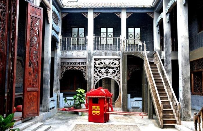 Внутренний дворик дяолоу богатой семьи (Кайпин, Китай). | Фото: tourpedia.ru.