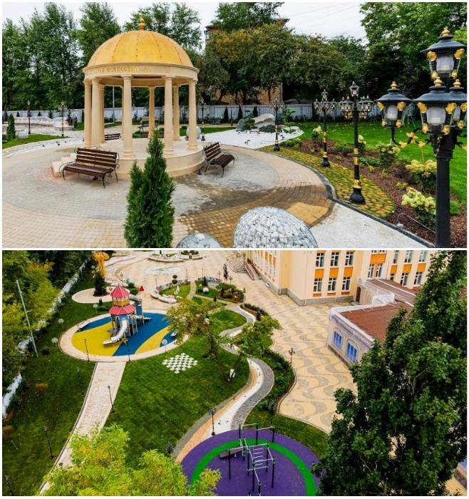 Помпезная позолоченная ротонда и современная детская площадка украшают территорию школы. | Фото: ekaterinburg.bezformata.com.
