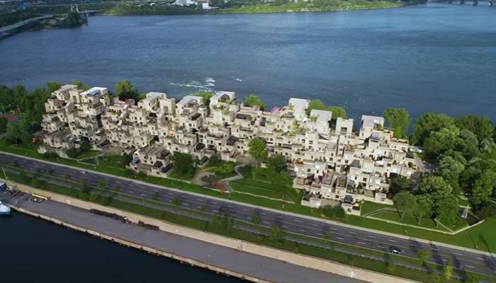 Автор проекта архитектор Моше Сафди мечтал, что подобные дома будут прекрасной альтернативой высоткам, расположенным в центре мегаполисов («Habitat 67»). | Фото: youtube.com/ © Open House TV.