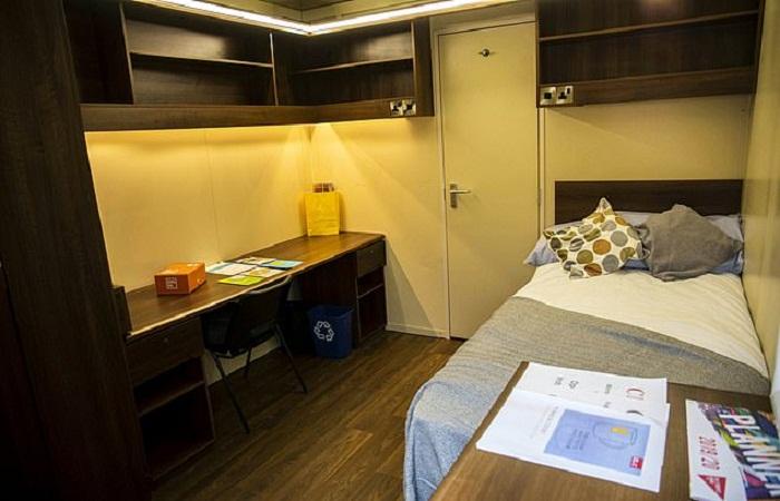 Комната-студия площадью 7,5 кв. м. рассчитана на проживание одного студента (университет Бристоля). | Фото: dailymail.co.uk.