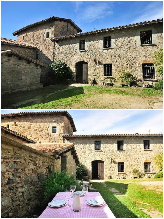 Большой внутренний двор вмещает и зону барбекю, и банкетный зал под открытым небом («Castell de Llaes», Испания). | Фото: tripadvisor.es/ booking.com.