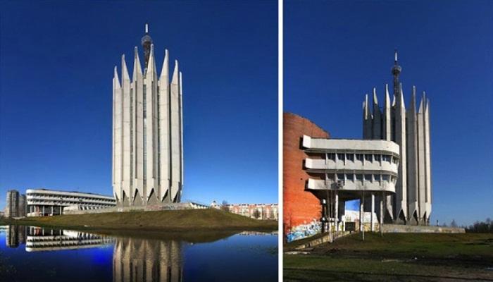 Фантастическое здание Центрального НИИ робототехники и технической кибернетики  (Санкт-Петербург).