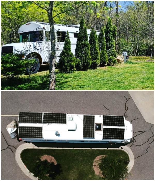 Чтобы можно было останавливаться на ночлег в любом месте автобус оборудовали солнечными батареями. | Фото: instagram.com/ © going_boundless.