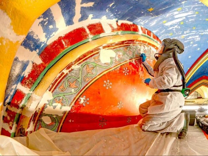 Началась реставрация фресок Собора Парижской Богоматери. | Фото: lepelerin.com.