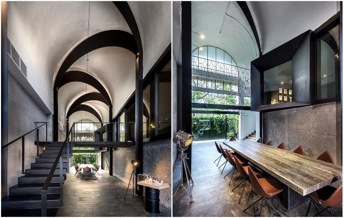 Обновленный офис архитектурной фирмы Park + Associates в здании заброшенной школы (Сингапур). | Фото: homedit.com.