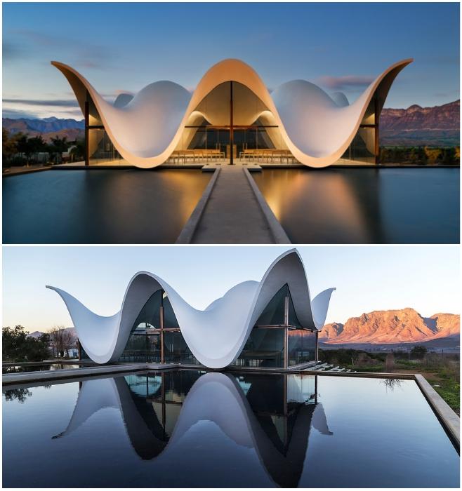 Впечатляющая пластика архитектурного шедевра, созданного в Витценберге, ярко подчеркнута водной гладью (часовня Bosjes, ЮАР). | Фото: architectmagazine.com/ pinterest.ru.