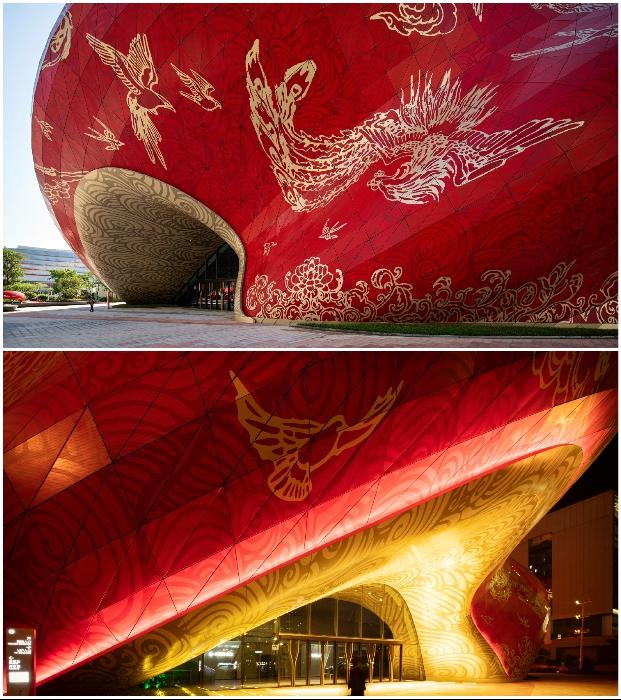 Узоры и золотистые изображения птиц выполнены в технике тату (Sunac Guangzhou Grand Theatre, Китай).