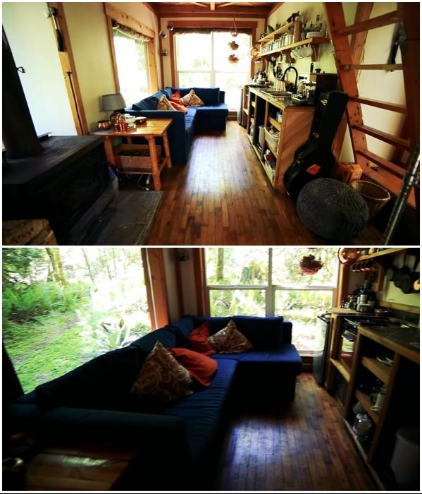 Скромный интерьер никак не портит общего впечатления от неординарного жилища. | Фото: youtube.com/ © Living Big In A Tiny House.