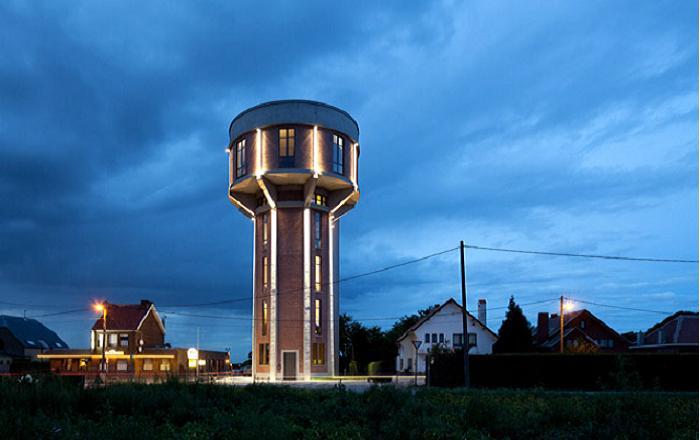 Величественный вид отреставрированной башни.
