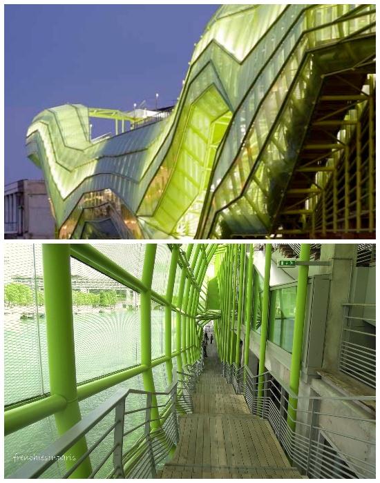 Все внутреннее пространство выставочного комплекса окутано деревянными переходами (Docks en Seine, Париж).  | Фото: frenchiesinparis.over-blog.com.